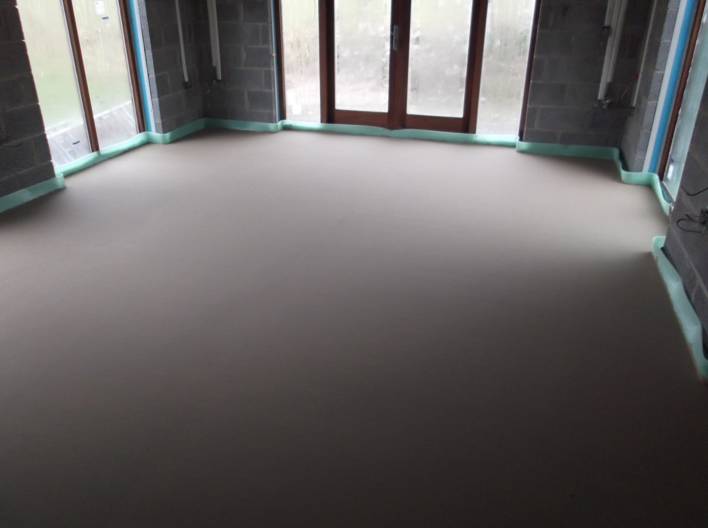 Finished surface of self levelling screed